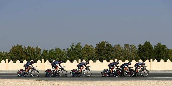 DOHA, QATAR - OCTOBER 09:  The Canyon Sram Racing team competes in the Women's Team Time Trial during day one of the UCI Road World Championships on October 9, 2016 in Doha, Qatar.  (Photo by Bryn Lennon/Getty Images)