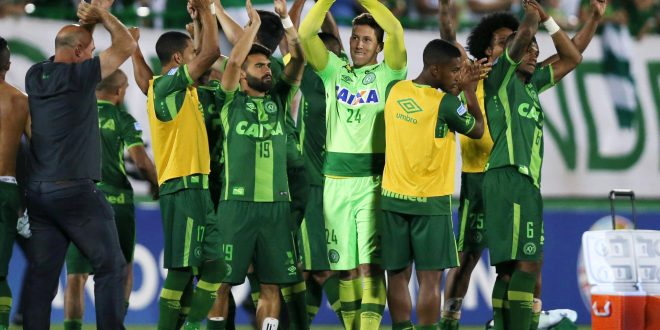 FILE PHOTO - Players of Chapecoense celebrate after their match against San Lorenzo at the Arena Conda stadium in Chapeco, Brazil, November 23, 2016.  An aircraft with 81 people aboard, including Brazilian football team Chapecoense, crashed in central Colombia, the country's civil aviation association said on its website on November 29, 2016. REUTERS/Paulo Whitaker/File Photo